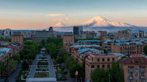 Yerevan_Montagne-Arafat_shutterstock_1076193443